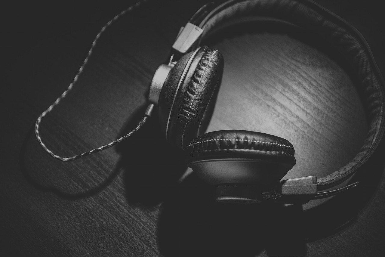 headphones for streaming